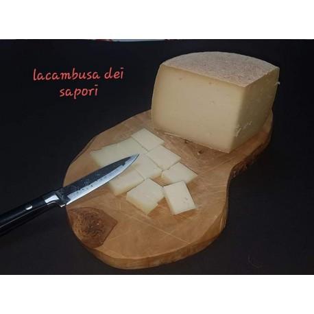 formaggio pecorino sardo